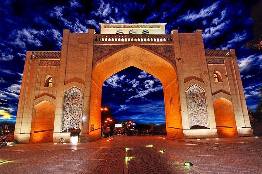 همه نکاتی که درباره دروازه قرآن شیراز باید بدانیم