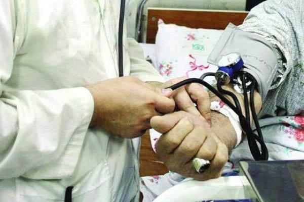 70 پزشک همدانی به بیماران خدمات رایگان ارائه می دهند