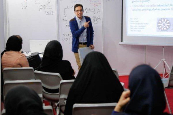 ضرورت استفاده از توانمندی اساتید جوان در فعالیت های فرهنگی