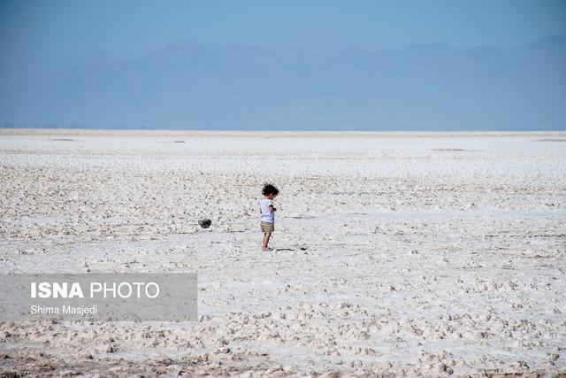 خطر بارش باران های نمکی در صورت خشک شدن دریاچه های نمک