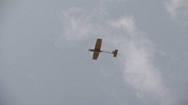 عملیات مشترک یگان پهپادی و توپخانه ای انصارالله در ساحل غربی یمن