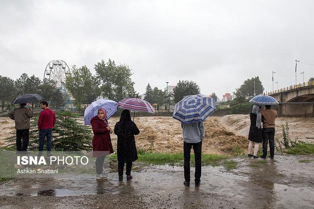 امدادرسانی به 240 تن در سیل و آبگرفتگی کازرون ، 2 تن قربانی صاعقه در خوزستان