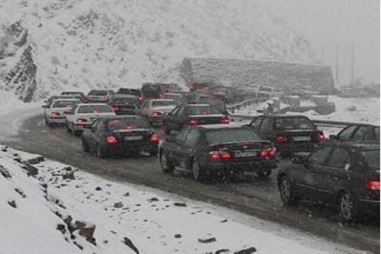 سرمازدگی برخی مسافران گرفتار شده در جاده چالوس