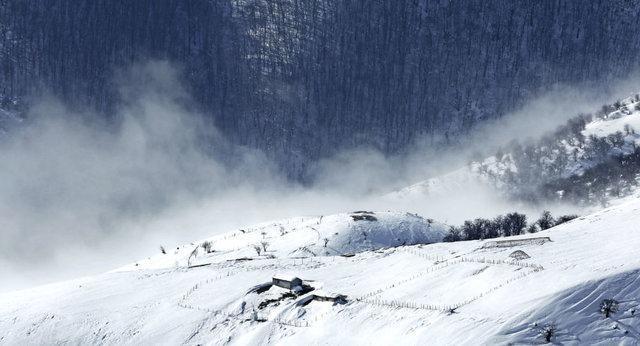 برف در راه مازندران