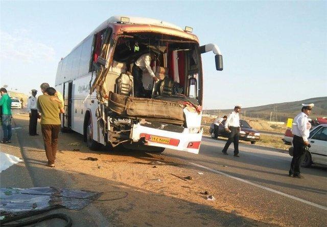تصادف اتوبوس و پژو در محور اهواز - خرمشهر