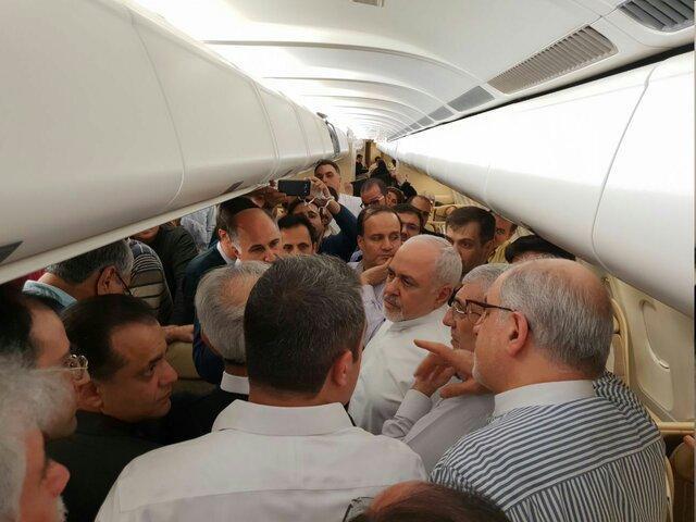سورپرایز شدن ظریف در هواپیما