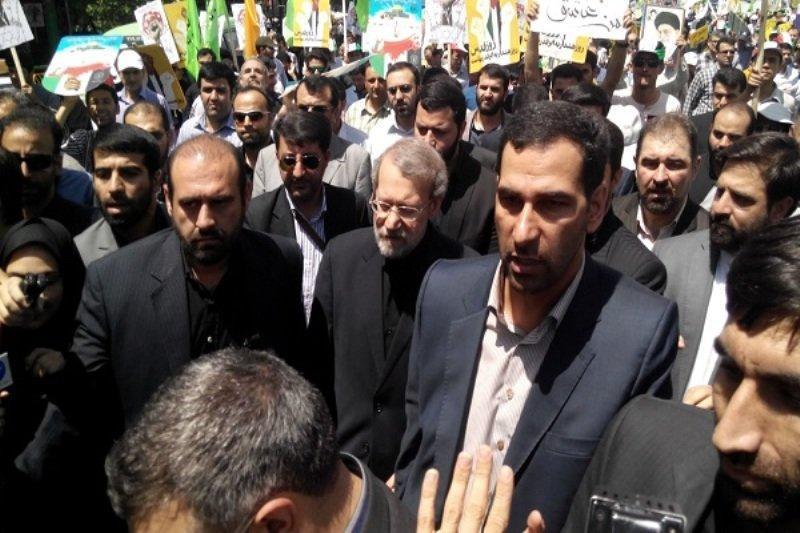 رییس مجلس در صفوف راهپیمایان 22 بهمن