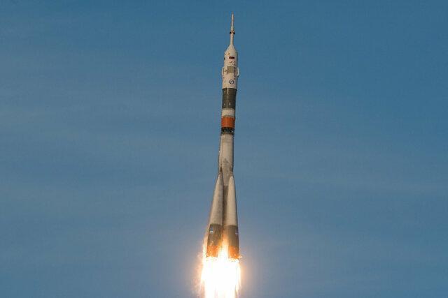 اعزام توریست به فضا در سال 2021