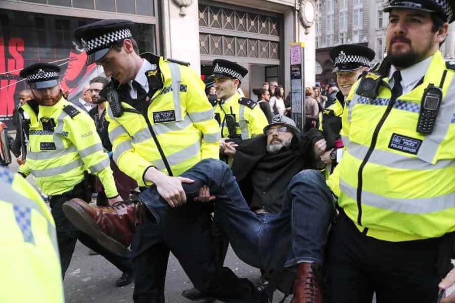 تظاهرات فعالان محیط زیست، گریزی برای تنفس برگزیت