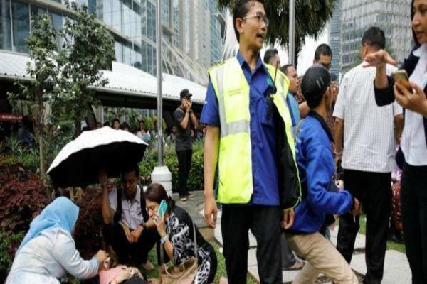 حادثه در بازار بورس جاکارتا، 75 نفر زخمی شدند