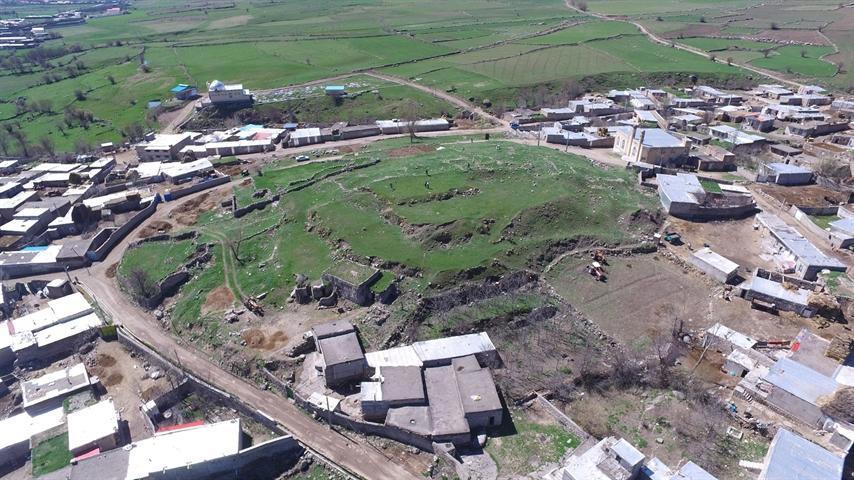 کشف شواهدی از دیواره دفاعی یک قلعه استقراری در محوطه آتشگاه اردبیل