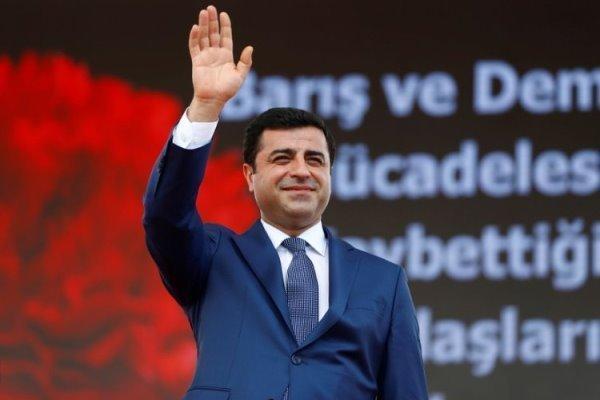 دادگاه ترکیه حکم آزادی صلاح الدین دمیرتاش را صادر کرد