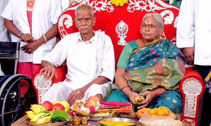 پیرزن هندی در 73 سالگی دوقلو زایید