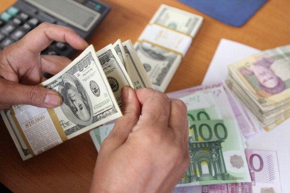 نرخ بانکی دلار 3018 تومان شد