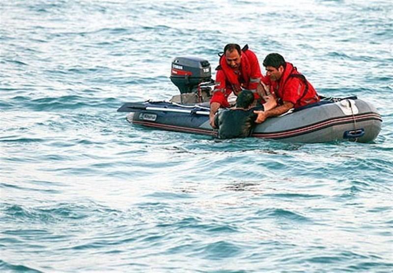 نجات جان 5 صیاد گرفتار در آب های دریای عمان