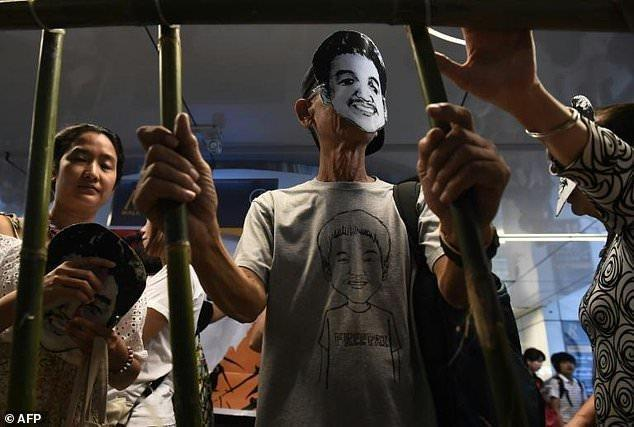 صدور حکم حبس برای دانشجوی تایلندی به جرم توهین به پادشاه