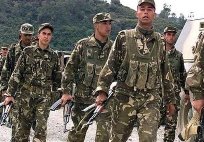 فعالیت سیاسی نظامیان الجزایری ممنوع شد