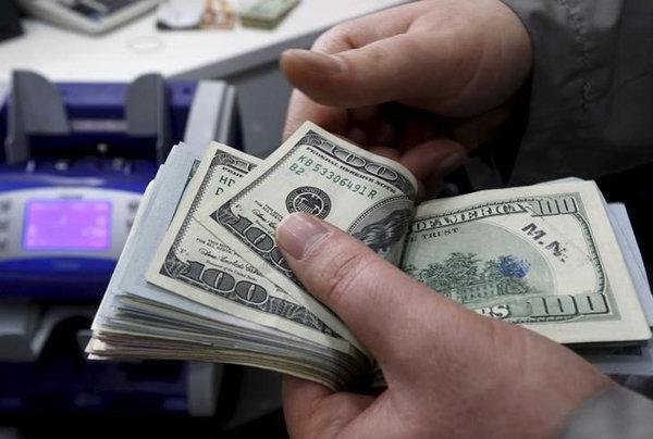 کاهش نرخ مبادله ای 22 ارز، افت قیمت رسمی دلار و یورو
