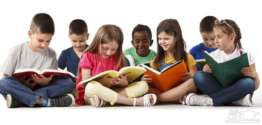 علاقه به داستان،بچه ها را برای فعالیت های اجتماعی مالی آینده آماده می نماید