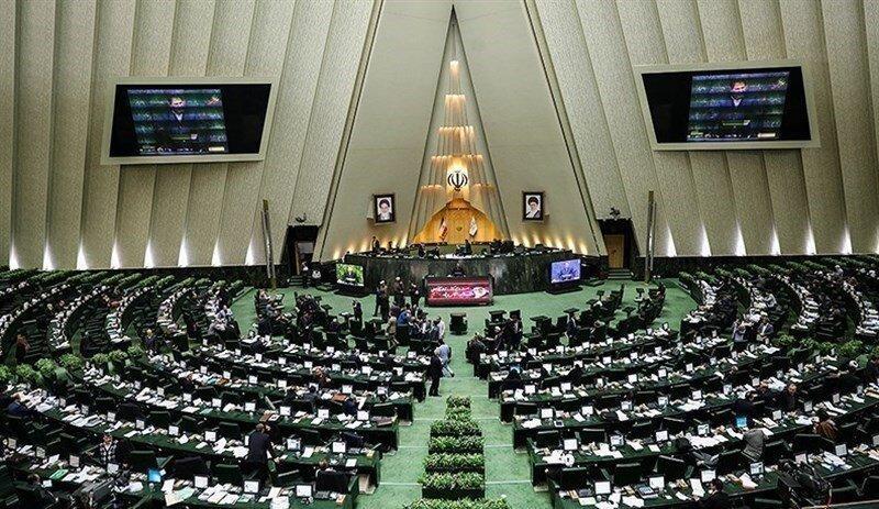 طرح دوفوریتی فراکسیون امید مجلس برای توقف سهیمه بندی و افزایش قیمت بنزین