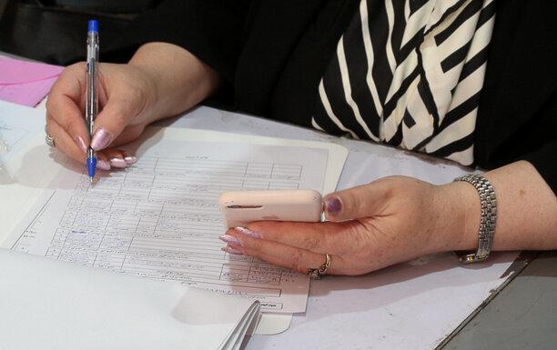 تصاویر زنانی که در روز اول برای انتخابات مجلس ثبت نام کردند