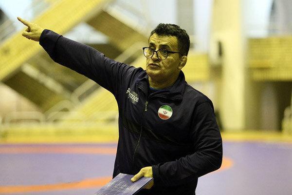 محمد بنا: امکانات و شرایط کشتی در حد المپیک نیست
