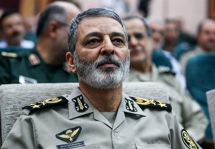 دشمن امروز در حضیض ضعف و انفعال واقع شده است ، انقلاب اسلامی در حال فتح سنگرهای کلیدی جهان است