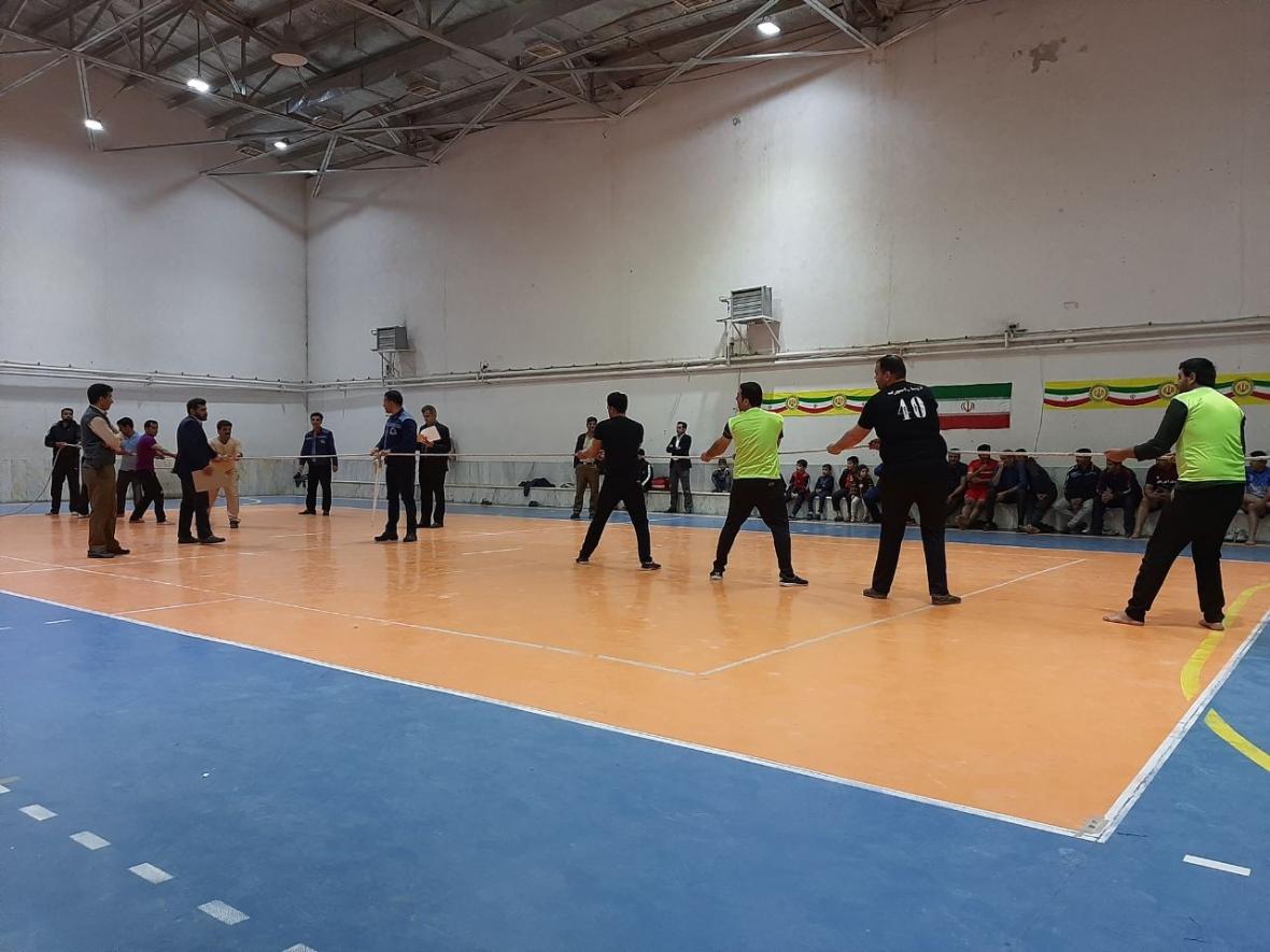 تیم کارخانجات لکوموتیو بافق در صدر مسابقات پنجگانه نیرو و نشاط قرار گرفت