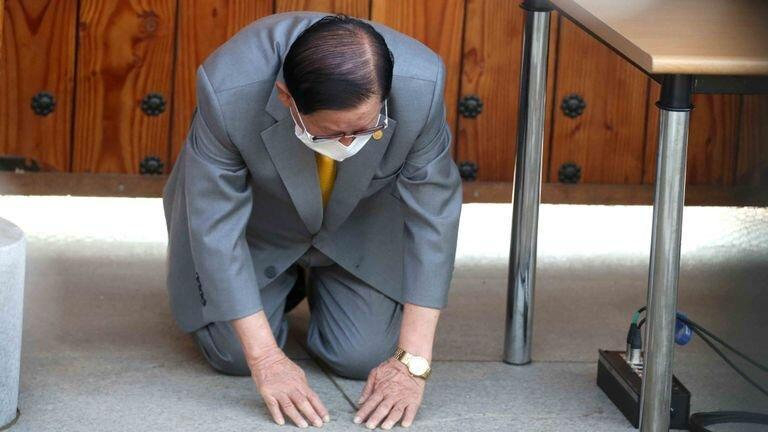 مسیح خودخوانده کره جنوبی به خاطر انتشار ویروس کورونا پوزش خواست