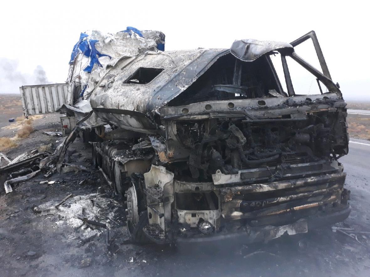آتش سوزی کامیون در محور انار - رفسنجان