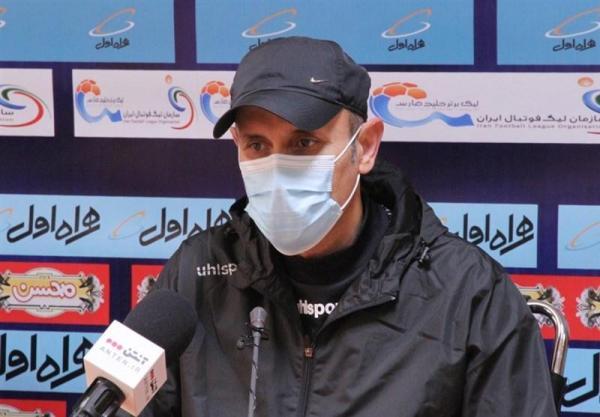 گل محمدی: حمایت مسئولان باشگاه از جدایی بشار رسن جای تأسف و سؤال دارد، نساجی هم از نیامدن به تهران ضرر کرد