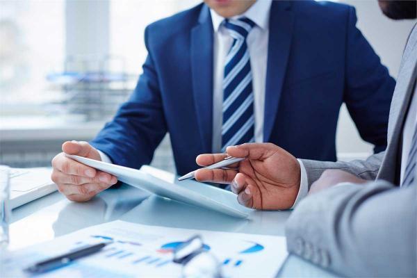 شرکت های مشاور سرمایه گذاری چگونه به سهامداران یاری می نماید؟
