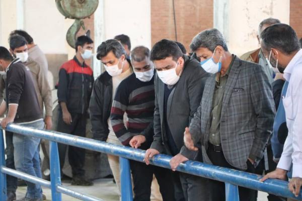 خبرنگاران آبرسانی به مراکز بیمارستانی و درمانی اهواز به وسیله تانکرهای سیار