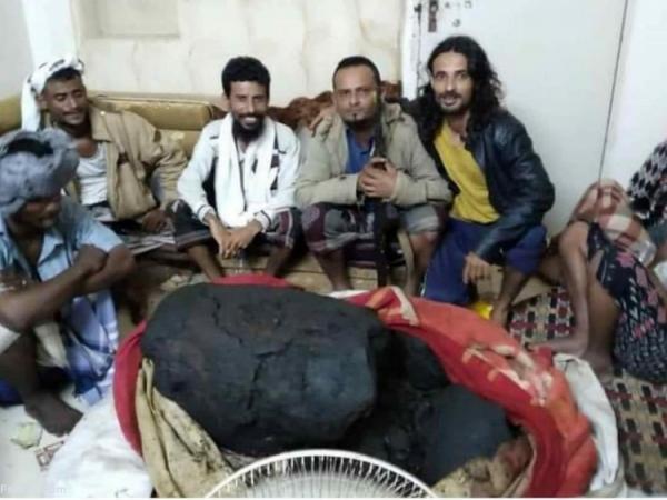 (ویدئو) استفراغ نهنگ عنبر ماهیگیران یمنی را میلیونر کرد!