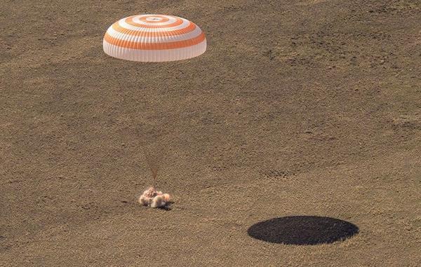 فضانوردان ایستگاه فضایی بین المللی در قزاقستان فرود آمدند